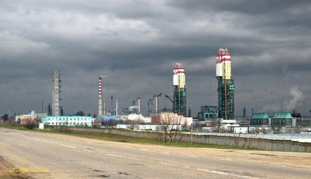 Медведчук и Путин берут под контроль стратегические предприятия Украины - СМИ