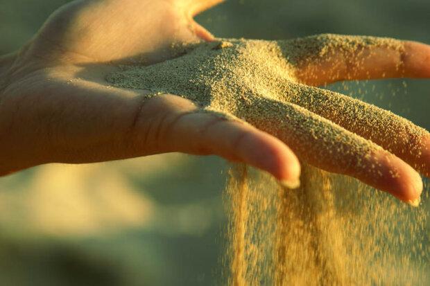 убытки, песок сквозь пальцы