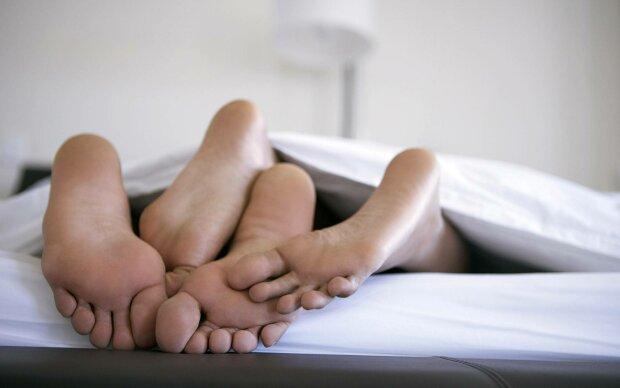 секс любовь постель