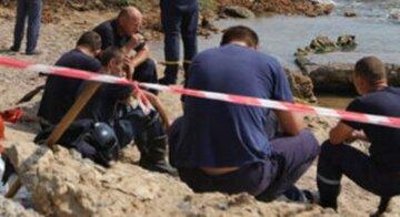 """НП на узбережжі в Чорному морі в Очакові, з'явилися перші кадри трагедії, """"хвилі внесли мертвих..."""""""