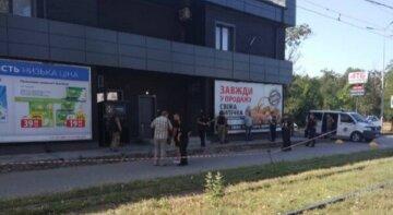 Переполох в одеському супермаркеті, відео: у шафці знайшли гранати