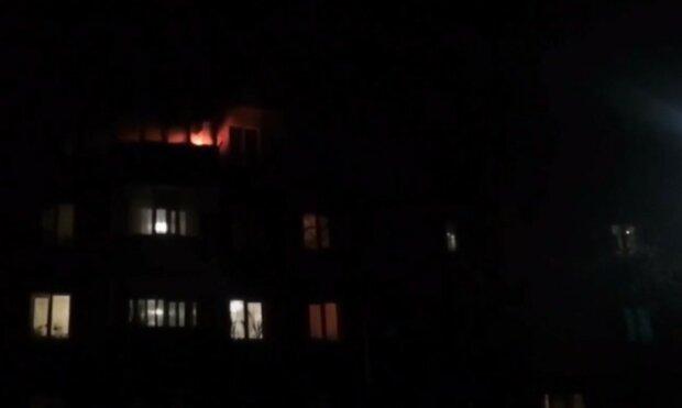 Дети оказались в пылающей квартире в Кривом Роге, младшей девочке всего 8 лет: кадры с места ЧП