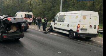 Моторошна ДТП під Києвом: постраждало 12 осіб, розтягнулися величезні затори, перші фото