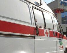 В центре Москвы обрушился фасад старинного дома, травмирована девушка
