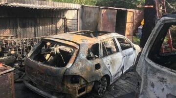 """Чоловік вирішив помститися знайомому через ділянку землі і поплатився: """"згорів гараж і два авто"""""""