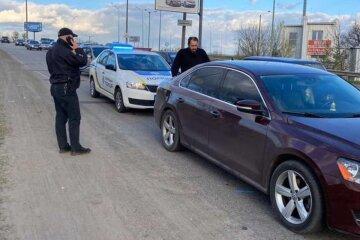 """На Харківщині п'яний священик влаштував екшн з поліцейськими і гонитвою, фото: """"Ледве стояв на ногах"""""""