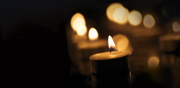 траур свеча