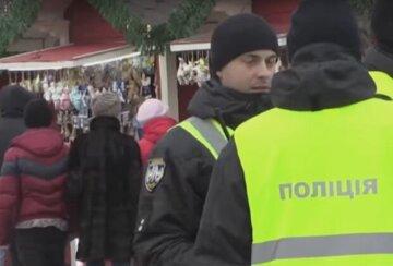 """""""Блукала містом у пошуках мами"""": в Одесі помітили маленьку дівчинку без куртки, фото"""