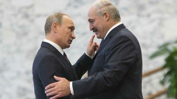 """Путін в костюмі Карлсона здивував Лукашенка, скандальне фото: """"Вміло фліртує!"""""""