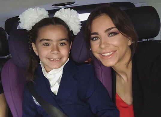 Маленьке диво: Дочка Лорак зворушила мережу незвичайним подарунком для матері, з'явилося відео