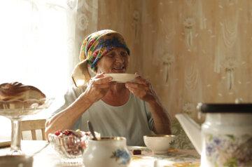 пенсионерка, бабушка, чай