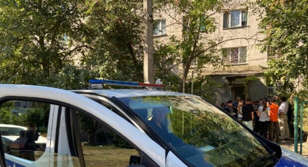 """Скандал вспыхнул с переселенцами и ветераном АТО в Одессе: """"Выселяют из общежития"""", кадры"""