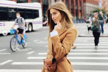 """19-річна онука Ротару в розкішній сукні спокушає чоловіків на вулицях Нью-Йорка: """"Як завжди шикарна"""""""