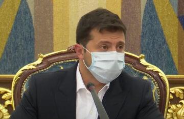 """""""На зарплату в 50 тисяч знайдуться нові"""": Зеленський зібрався розігнати суддів КСУ, українці збентежені"""