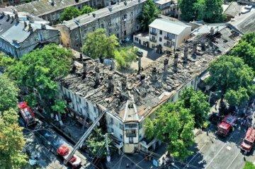 Прыгнул и оставил записку: всплыли новые детали и фото пожара в центре Одессы