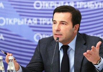 Валерий Коновалюк: политический приспособленец, заместитель Януковича и главарь бумажной партии