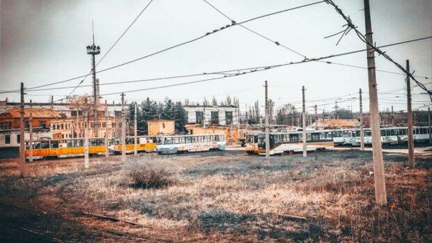 """""""С помощью российских братьев"""": в сети показали, что оккупанты сделали с транспортом в Луганске"""