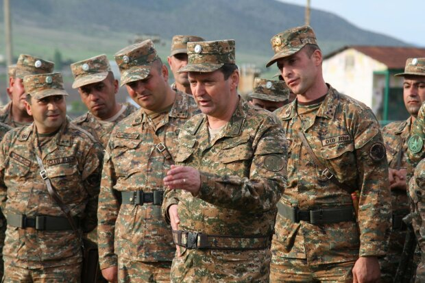 """Азербайджан ліквідував головного військового Карабаху, кадри: """"Єреван пригрозив помститися"""""""