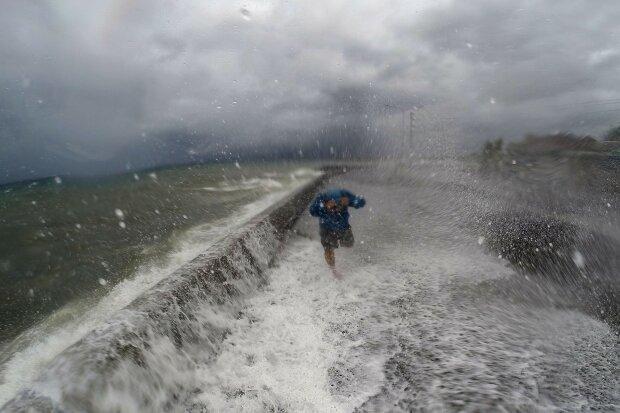 тайфун Мелор Филиппины