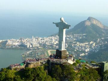 статуя-Христа-Искупителя-в-Рио