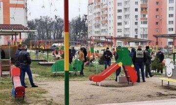 """На Одещині підліток відкрив вогонь по однолітках на дитячому майданчику, фото: """"зброю купив через Інтернет"""""""