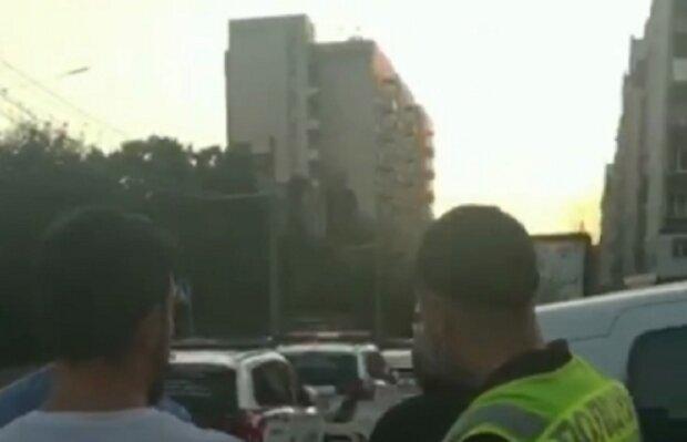 Дебоширы открыли огонь в центре Киева, съехались силовики: кадры ЧП