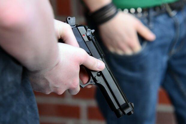 youth_weapon_pistol_beretta_hand_gun_shoot_ammunition_crime-1382089