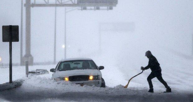 Число жертв снежной бури в США достигло 30 человек