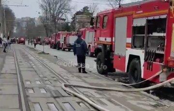 Угроза взрыва на заводе в Одессе, много полиции и спасателей: видео с места ЧП
