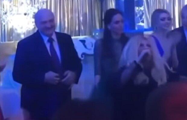 """Лукашенко почудив в нічному клубі разом з Таїсією Повалій, гучне відео: """"Я чесно пишаюся"""""""