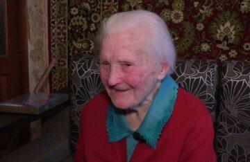 """Украинка отпраздновала 100 лет и назвала рецепт долголетия: """"Очень много ела..."""""""