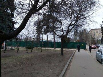 Загадочная застройка появилась в Киеве на Шулявке, фото: жители занервничали