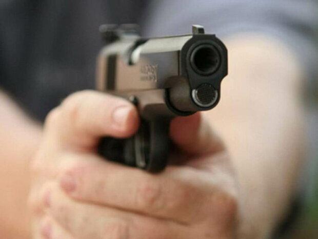 Стрілянина прогриміла під Києвом, з'їхалися медики і поліція: подробиці і фото