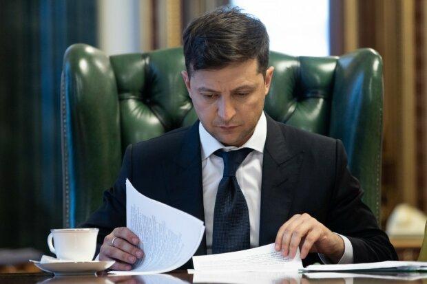 Отец бойца ВСУ набросился на Зеленского после трагедии на Донбассе: «Ты дошел до края, верховный!»