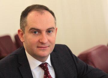 Верланов рассказал о перевыполнении доходов ГНС: «Результат говорит сам за себя»