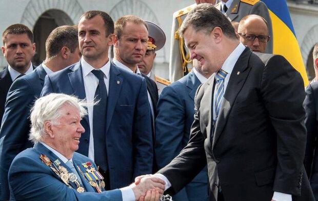 """В Украине может появиться улица в честь Порошенко, местные жители в ауте: """"посрамлены на всю страну"""""""