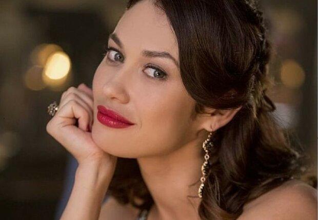 """Украинская девушка Бонда Куриленко похвасталась внешностью в юные годы: """"Слишком красивая"""""""