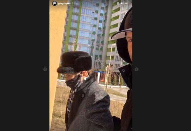 Легендарный Чапкис на прогулке по Киеву поразил изможденным видом, еле ходит: