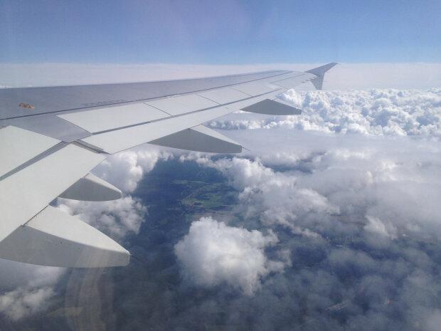 Літак з туристами ледь не розбився під Харковом: деталі НП