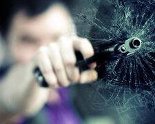пистолет-стрельба