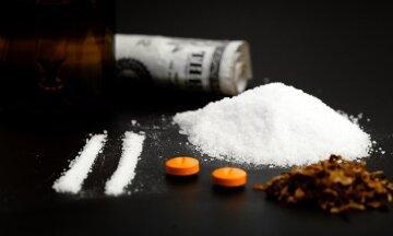 1452511784_drugsarebadforyou