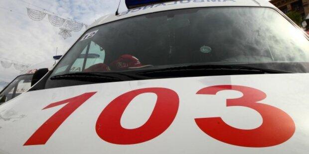 Київська маршрутка потрапила в ДТП: на місце під'їхали сім швидких (фото)
