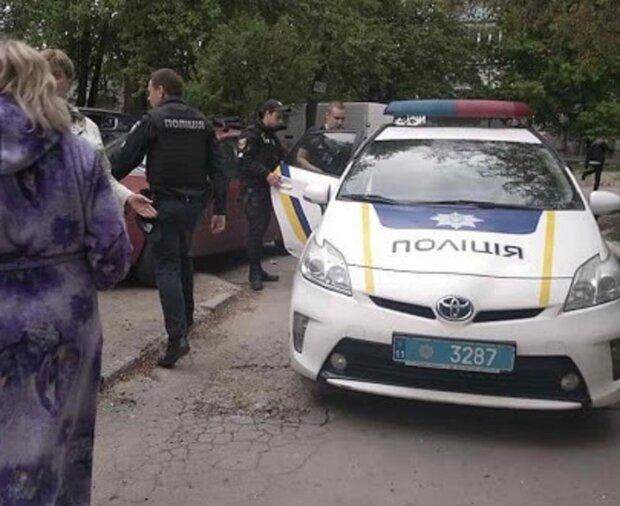 Вооруженный мужчина навел шороху на детской площадке в Одессе: съехалась полиция, фото