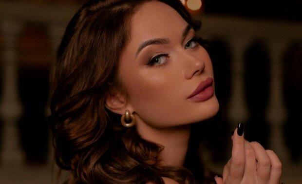 """Бесстыдная """"невеста"""" Харламова избавилась от одежды, пленив загорелыми изгибами: """"После ночи любви..."""""""