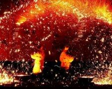 завод-люди-расплавленный металл