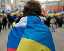 151229122710_ukraine_russia_flag_624x460_afp_nocredit