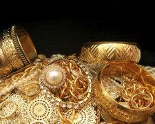 Золото, бриллианты: кто из политиков лидирует (инфографика)