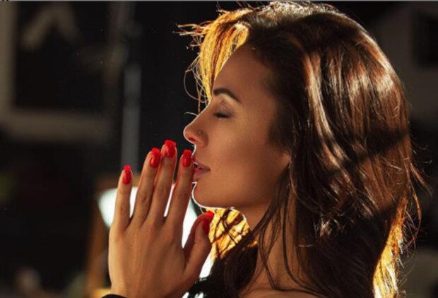 """Экс-Nikita впечатлила роскошным телом в развратном белье: """"Эталон красоты"""""""