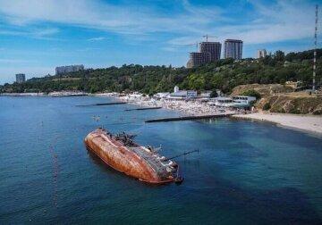 """Названа причина постоянного разлива нефти из танкера """"Делфи"""" : """"всему виной..."""""""
