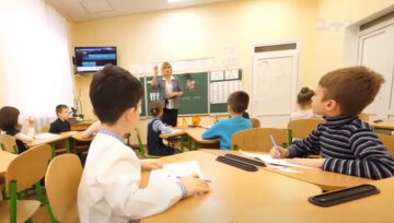 """В украинских школах предложили запретить российский язык: """"Учителя должны..."""""""